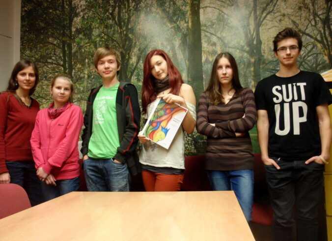 Skupinová fotografie z kurzu tvůrčího psaní.