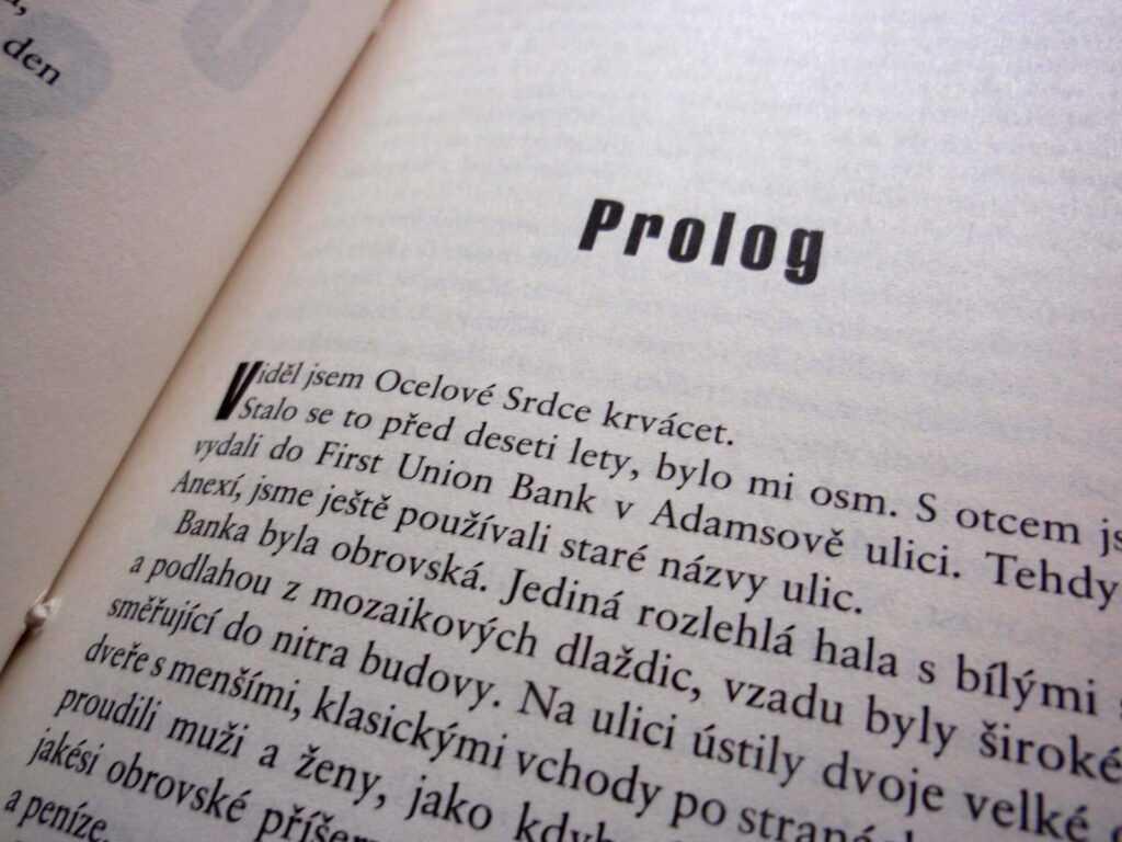 Prolog románu Ocelové srdce.