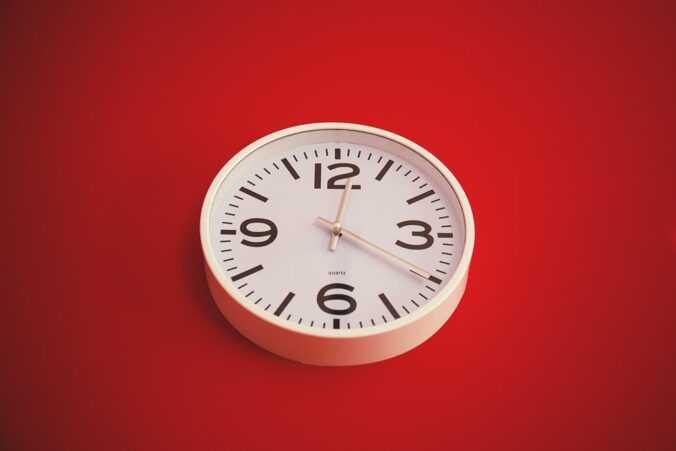 hodiny.
