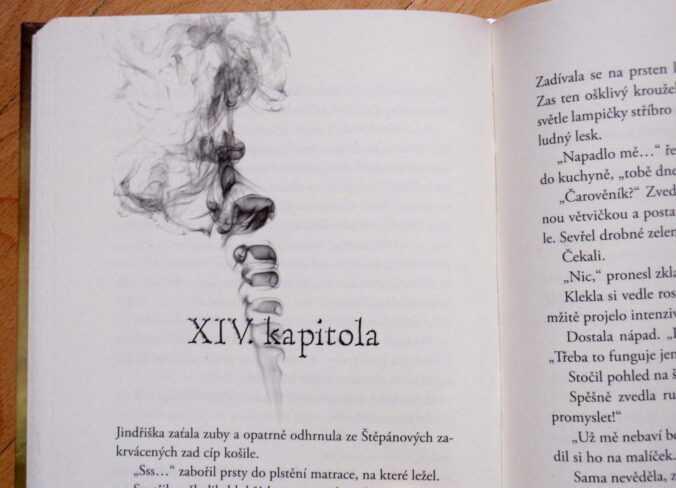 Čarověník kniha.